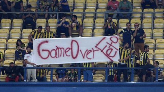 """FETÖ'ye Bir Darbe De Fenerbahçelilerden: """"Oyun Bitti!"""""""