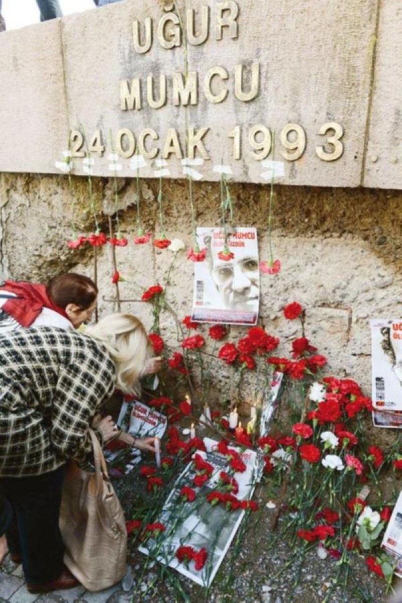 Uğur Mumcu Anıtı'na alçak saldırı!