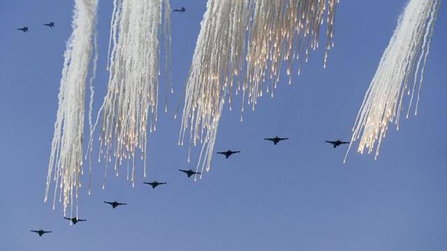 Türk ve Rus jetlerinden IŞİD'e karşı ortak operasyon