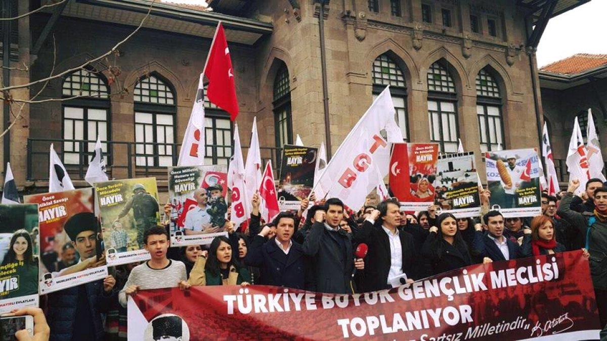 Türkiye Büyük Gençlik Meclisini Topluyoruz!