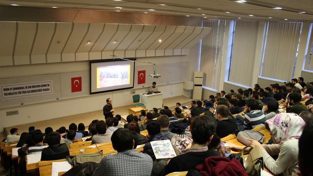 """""""ODTÜ Atatürkçülüğün kalesidir!"""""""