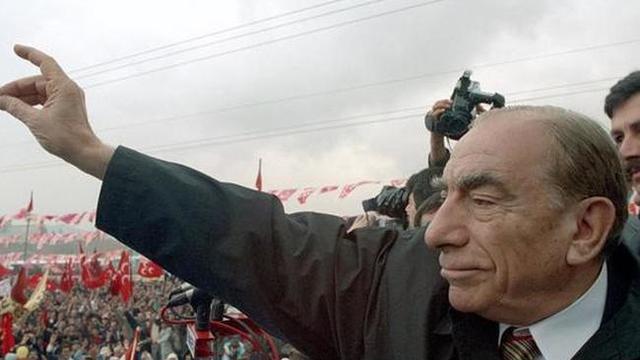 Türkeş referandum kararını açıkladı: HAYIR!