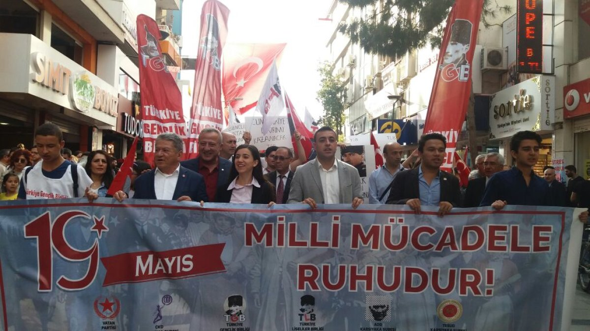 İzmir 19 Mayıs'ta milli mücadele ruhuyla meydana indi!