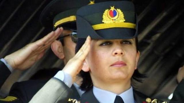Türk kadını vatan savunmasının ön cephesinde