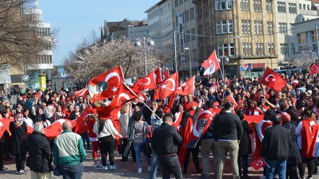 Hannoverli vatanseverlerin mücadelesi sonuç veriyor!