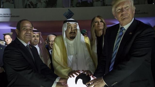 """""""ABD'nin sünni bloğu çöktü"""""""
