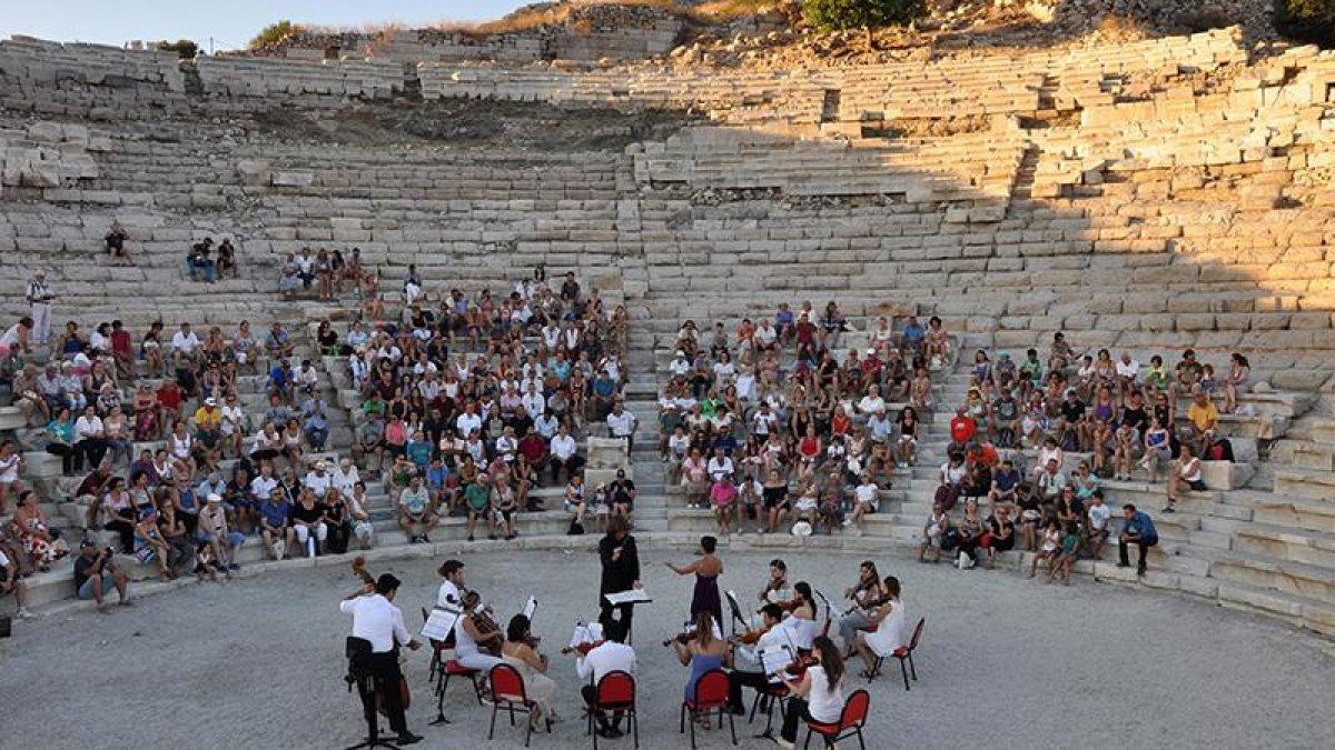 Tarihi tiyatroda, 2 bin yıl sonra konser heyecanı