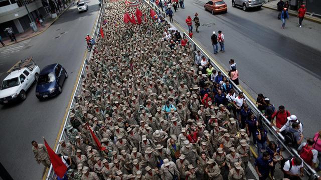 Venezuella ABD'ye karşı ayaklandı!