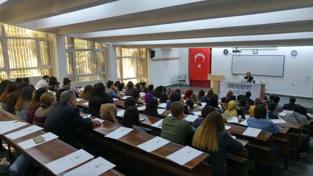 Ankara Üniversitesi öğrencileri Gülsen Tuncer ile buluştu