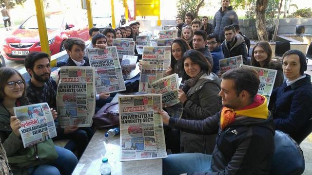 TGB İzmir üniversitelerde Aydınlık Gazetesini okuttu