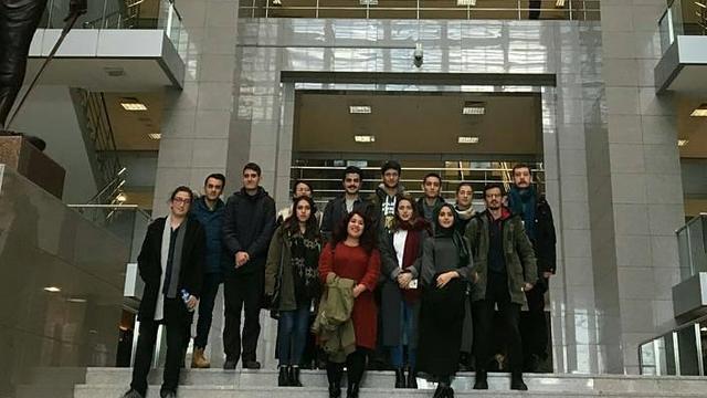 Hukuk öğrencileri adliye gezisi düzenledi