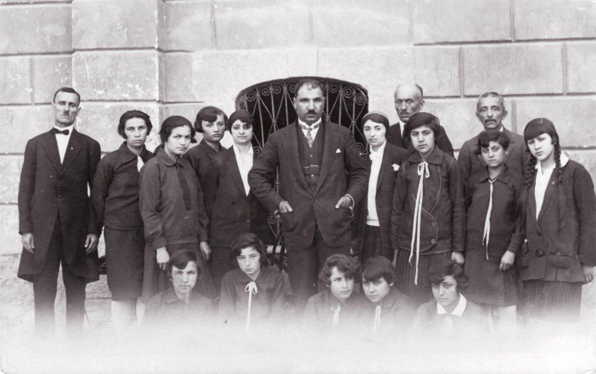 Mustafa Necati ve Millet Mektepleri