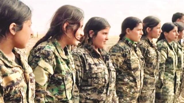 PKK Afrin'de çocuklara zorla silah veriyor!