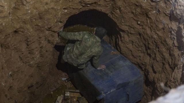 Münbiç halkı PKK'nın hendeklerine izin vermiyor