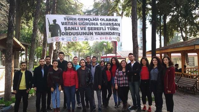 Dokuz Eylül Üniversitesi öğrencilerinden Mehmetçiğe destek