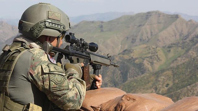 Mehmetçik sınır ötesinde PKKya göz açtırmıyor!