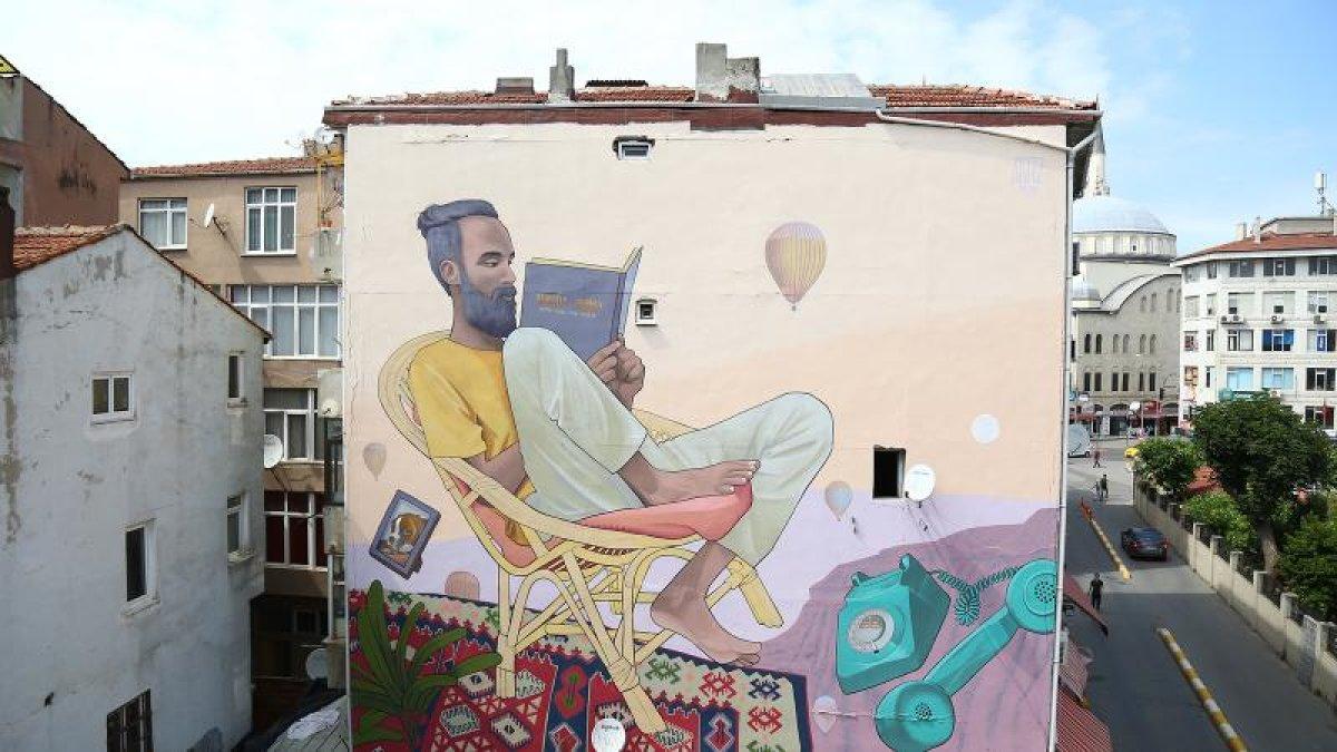 Mural Festivali ile Kadıköy duvaları rengarenk