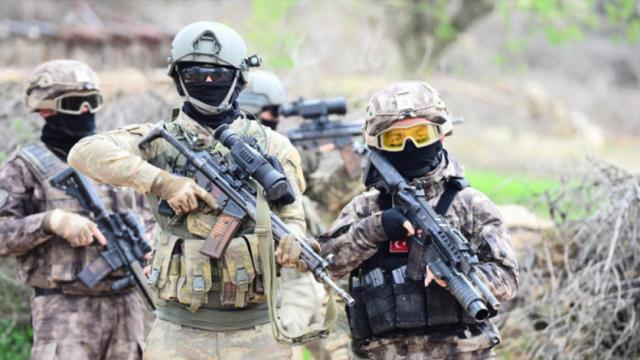 Mehmetçik bölücü terör örgütü PKK'ya göz açtırmıyor!