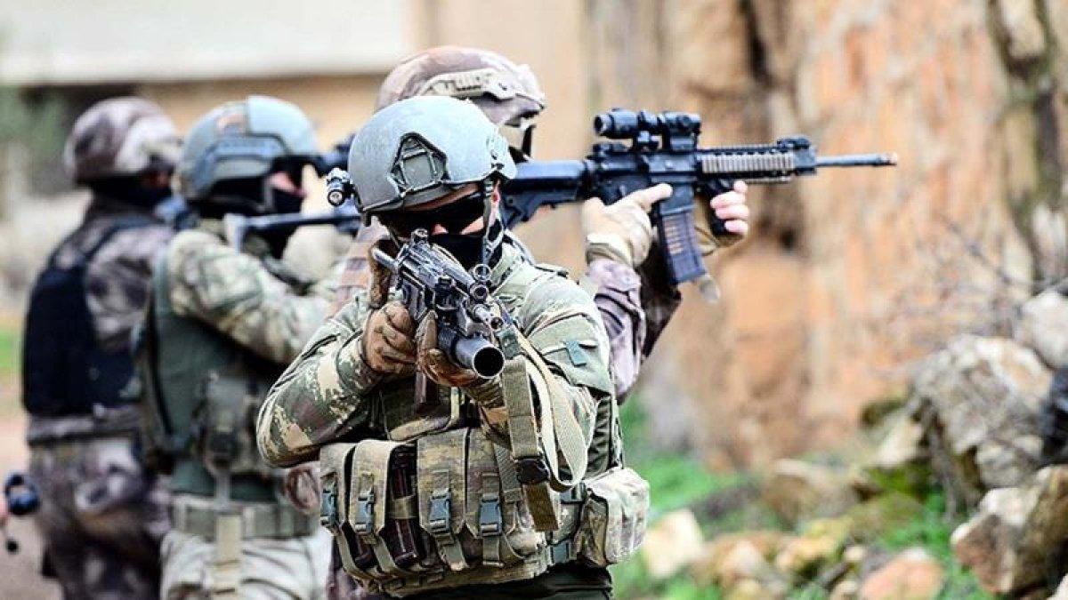 Mehmetçik'ten PKK'ya Hakkari'de ağır darbe