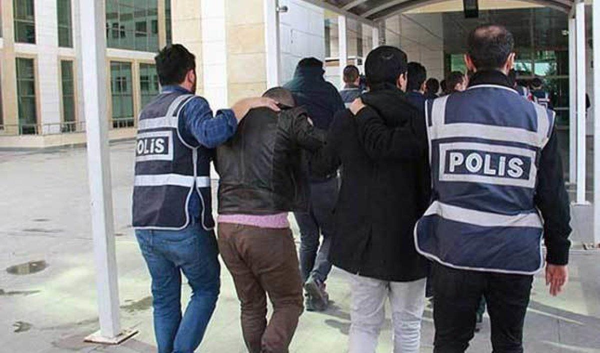 Rodos'a kaçmayan çalışan 50 FETÖ'cü teslim edildi!