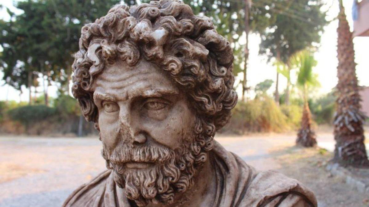 Mersin'de 1700 yıllık büst bulundu