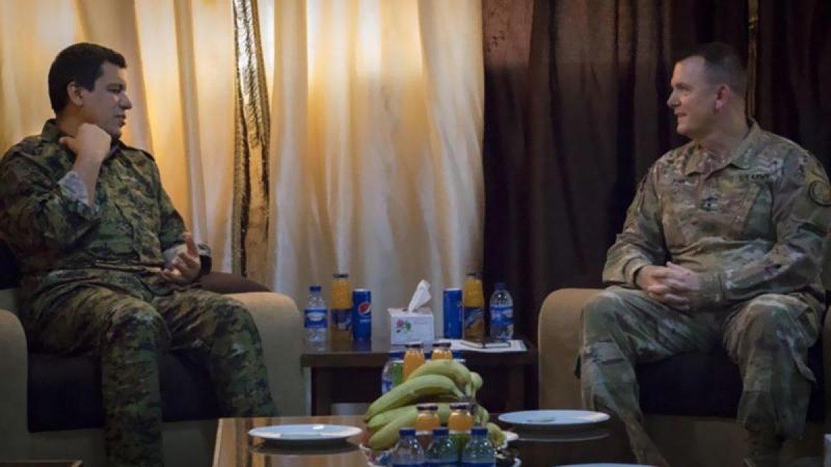 ABD'li general 4 milyon TL ödülle aranan teröristle görüştü
