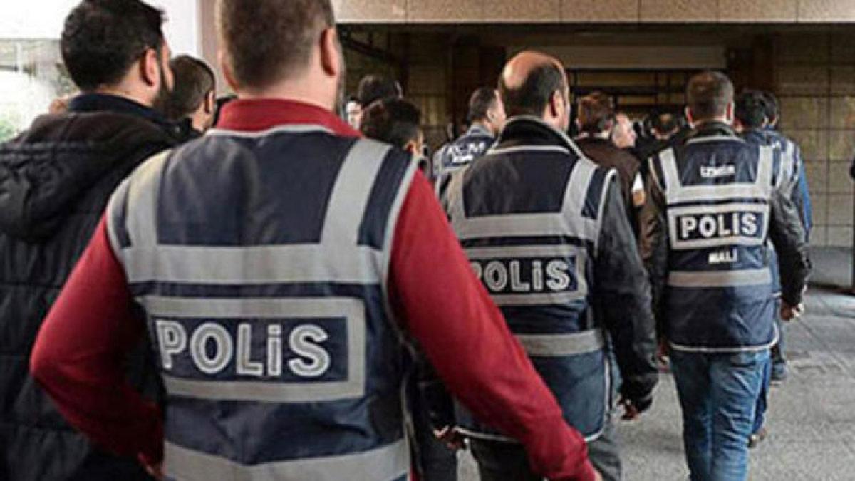 FETÖ'ye yeni operasyon: 13 gözaltı