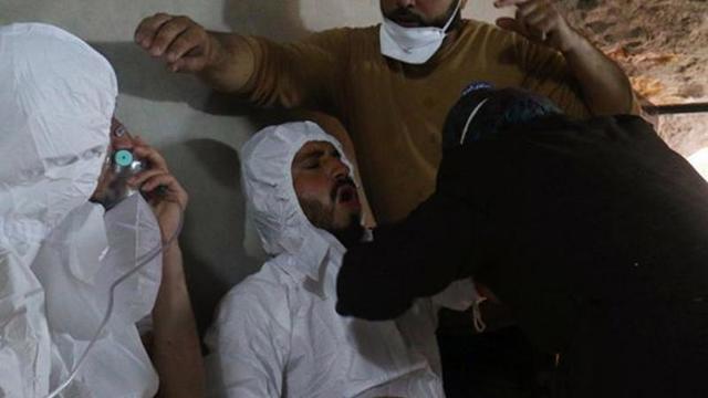 """""""İdlib'deki muhalifler kimyasal saldırı tezgahı için görüntü çekiyor"""""""