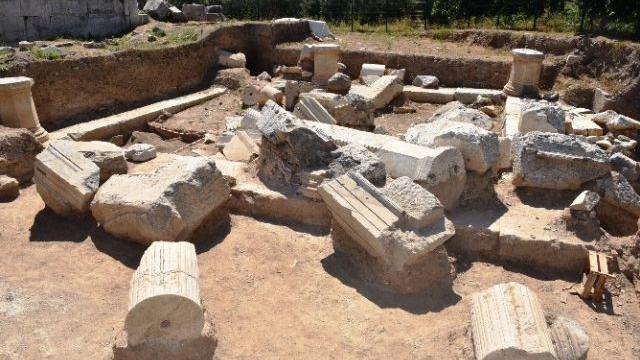 İznik'te antik tiyatro gün yüzüne çıkıyor