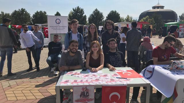 Dumlupınar ADT öğrencileri Atatürkçü gençliğe davet ediyor