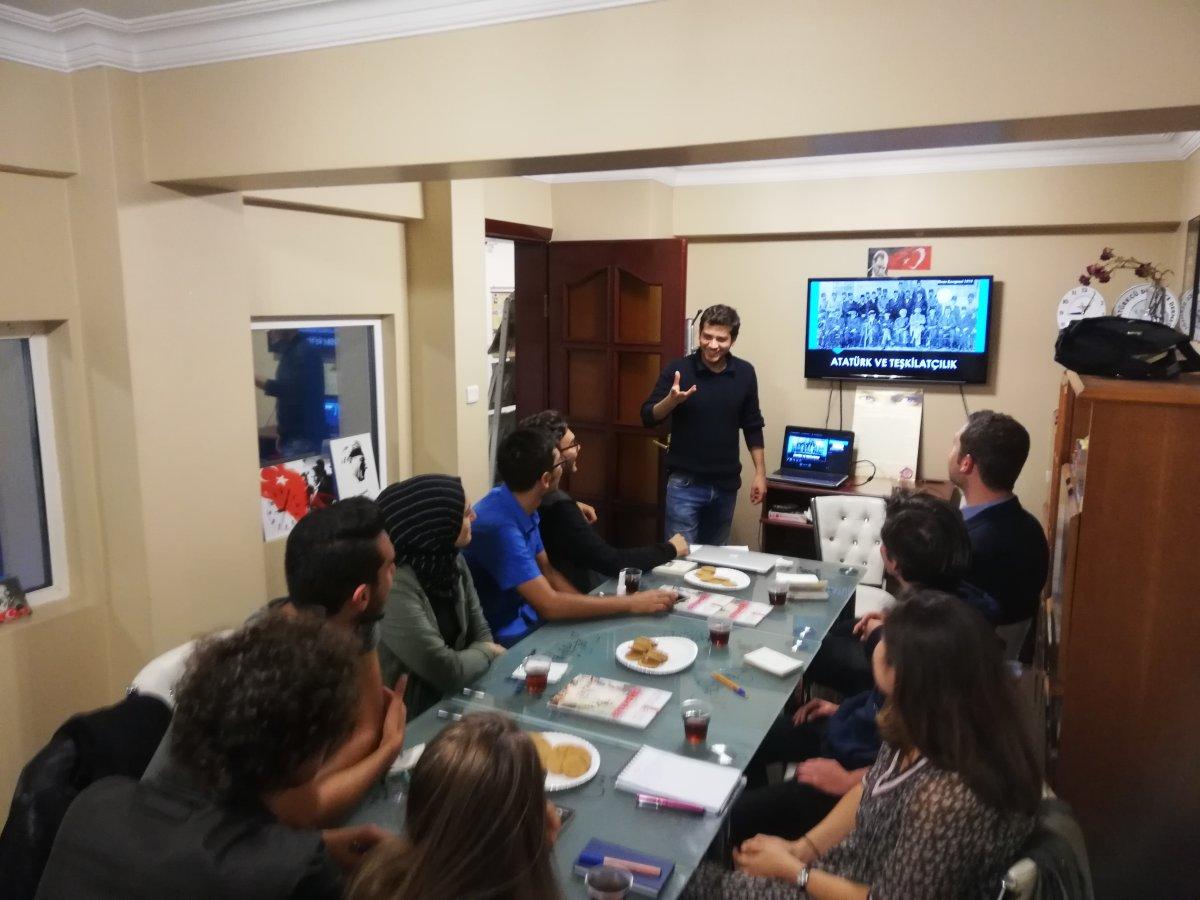 Tıbbiyelilerden Atatürk ve Teşkilatçılık Üzerine Eğitim