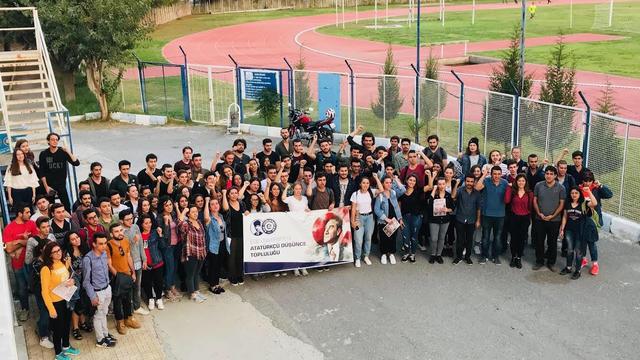 Ege Üniversitesi Atatürkçü Düşünce Topluluğu Andımızı Okudu