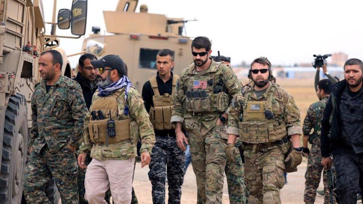 ABD Askerleri Türkiye Sınırında PKK'lılarla Devriye Geziyor!