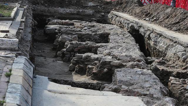 Üsküdar'da Kanalizasyon Çalışmaları Sırasında Tarihi Kalıntılar Bulundu