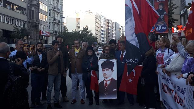 Atatürk Evi Önünde Andımız Nöbeti