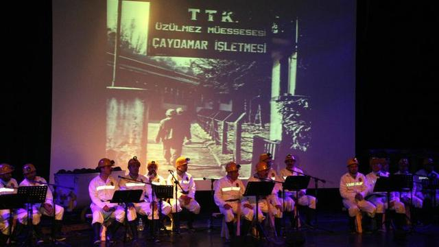 Türkiye'nin İlk Madenci Korosundan Konser