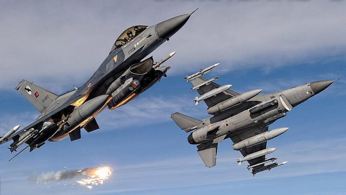 Mehmetçik Irak'ın Kuzeyine Hava Harekatı Düzenledi