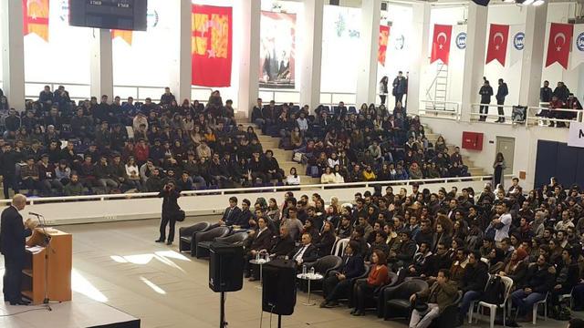 İlker Başbuğ Marmara Üniversitesi Öğrencileriyle Buluştu
