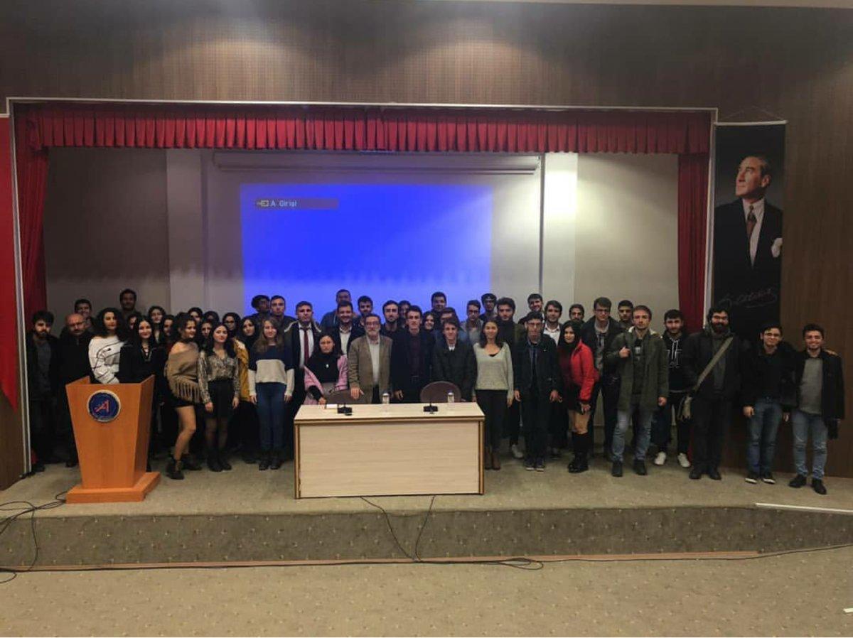 Akdeniz Üniversitesi Kitap Topluluğu Tunca Arslan'la Sinema ve Edebiyat Tartıştı
