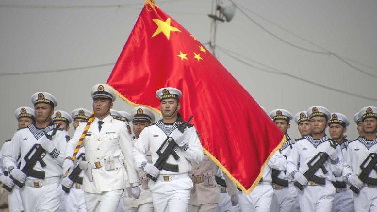 Çinli Amiral: ABD'nin İki Uçak Gemisini Batırırız!
