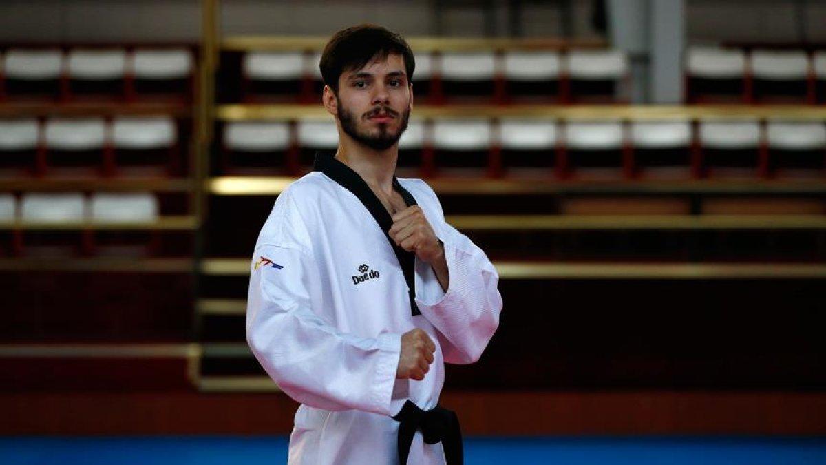 19 Yaşındaki Ferhat Can Kavurat Avrupa Tekvando Şampiyonu