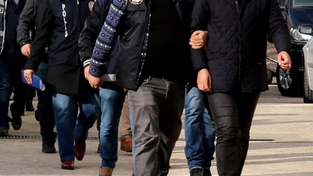 Bursa'da FETÖ'ye Bağış Yapan 13 Kişiye Gözaltı