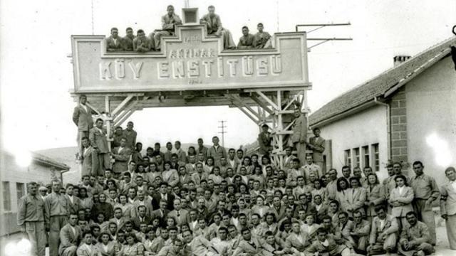 Cumhuriyet'in Kardeleni: Köy Enstitüleri