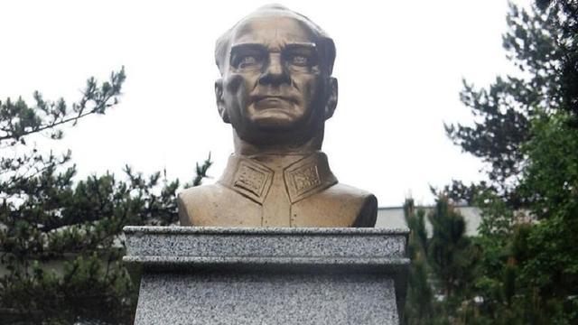 Atatürk'e Saldırı Cezasız Kalmadı