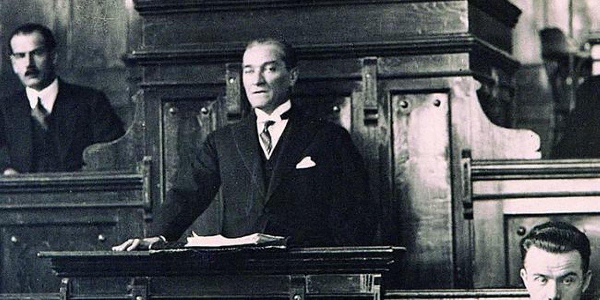 Atatürk Hepimize Lazım