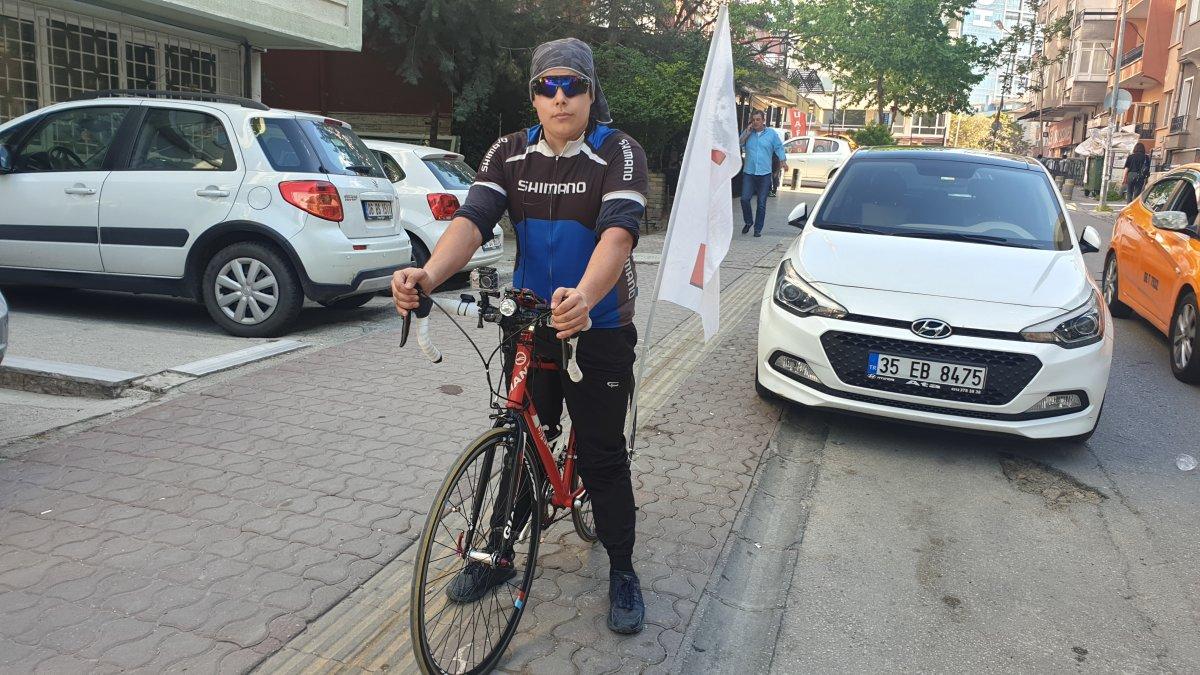 Bisikletiyle Ankara'dan Yola Çıkan Profesyonel bisikletçi Mustafa Metin Ağgün