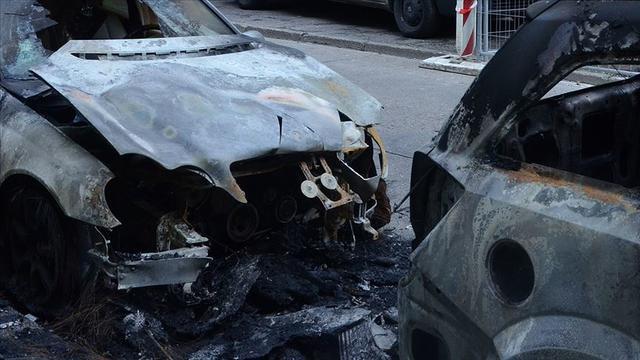 Selanik'te Diplomatlarımızın Araçları Kundaklandı