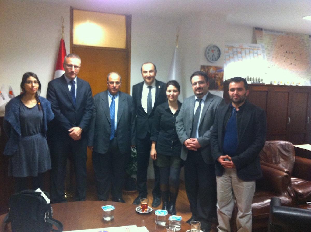 TTB heyeti içerisinde yer alan Özge Aydın (en solda)