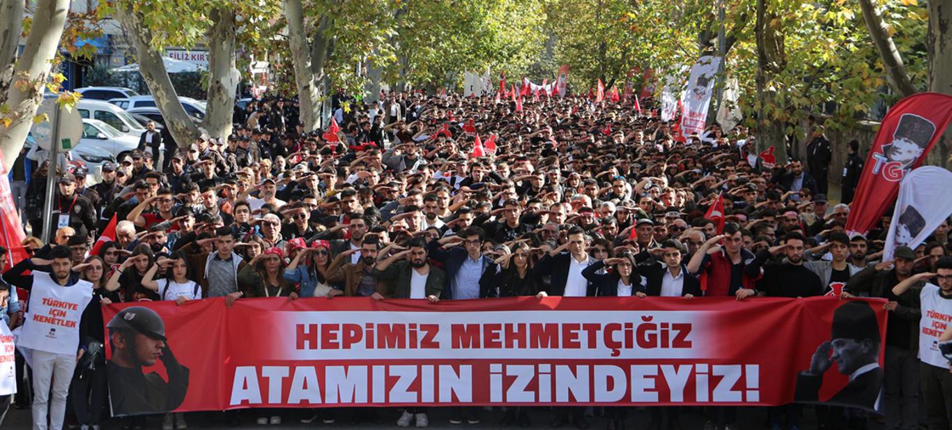 Atatürk Eylemle Yaşatılır