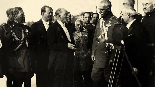 Atatürk ve Dış Politika